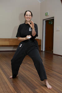 Sifu Ingrid Bean, in action again despite her injury!